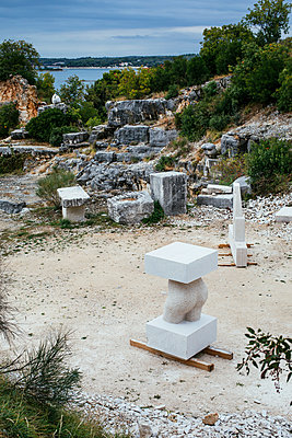 Sculpture park in Vrsar - p728m2027233 by Peter Nitsch