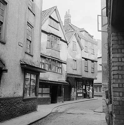 HOST STREET, Bristol. View along Host Street, Bristol. Photographed by Eric de Mare between 1945 and 1980. - p855m2219140 by Historic England