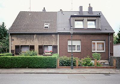 Doppelhaushälfte - p2560174 von Anton Badin