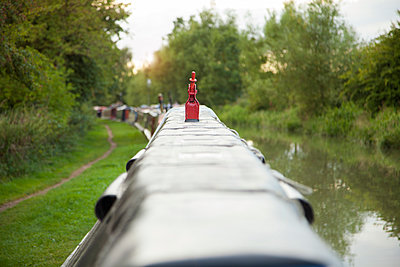 Canal Boats on Riverbank, River Trent, England UK - p669m1101781 by Jutta Klee photography