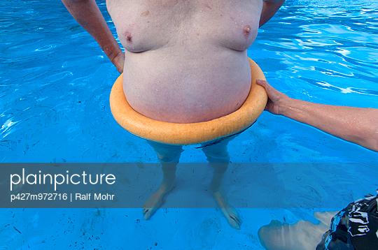 Schwimmbad - p427m972716 von R. Mohr