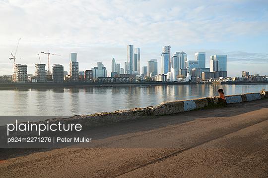p924m2271276 von Peter Muller