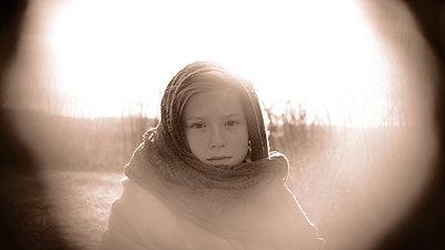 Girl with scarf, portrait - p945m2152898 by aurelia frey