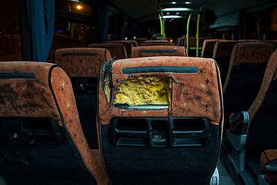 Bus seat - p1479m1585623 by Helio Léon