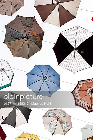 Verschiedene Regenschirme - p1271m1159310 von Maurice Kohl