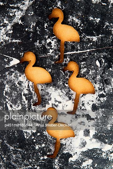 p451m2185844 by Anja Weber-Decker