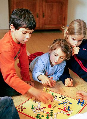 Spielend - p1197m1041194 von Stefan Bungert