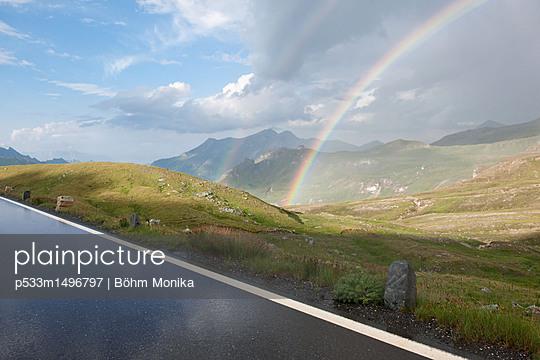 Regenbogen im Nationalpark Hohe Tauern - p533m1496797 von Böhm Monika