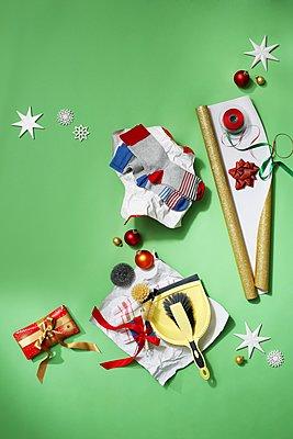 doofe Weihnachtsgeschenke - p237m1531990 von Thordis Rüggeberg