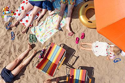 On beach vacation - p454m2142209 by Lubitz + Dorner