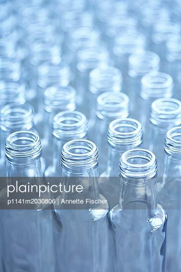 Leere Flaschen - p1141m2030806 von Annette Fischer