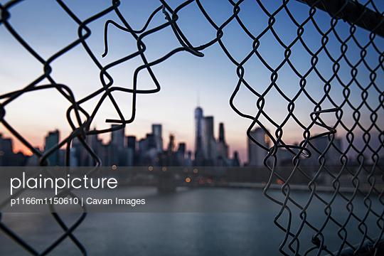 p1166m1150610 von Cavan Images