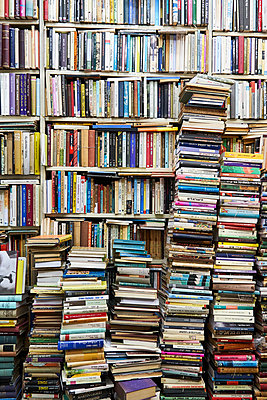 Book shelf and stacks of books - p1276m2127032 by LIQUID