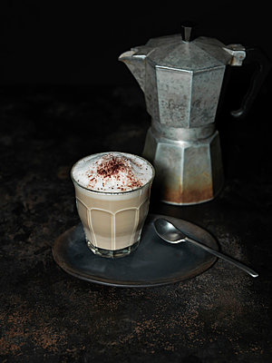 Milky coffee - p1052m854796 by Wolfgang Ludwig