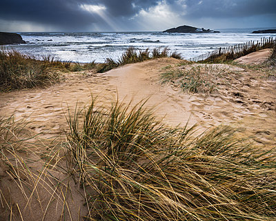 The beach at Bantham during a storm, near Kingsbridge, Devon, England, United Kingdom - p871m2114055 by Baxter Bradford