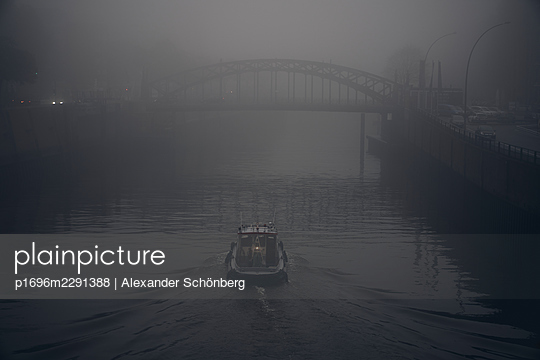 Ship at night - p1696m2291388 by Alexander Schönberg