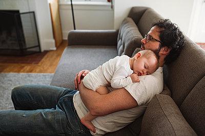 Zusammen eingeschlafen - p1361m1332491 von Suzanne Gipson