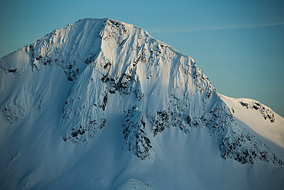 Mountain Landscape before sunset in Coast Mountain Range BC Canada - p1166m2095464 by Cavan Images
