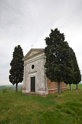 Kapelle Vitaleta - p7980149 von Florian Loebermann
