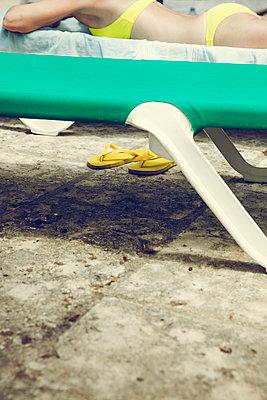 Sunbath - p904m1044979 by Stefanie Päffgen