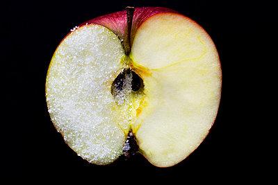 Apfel mit Zucker - p1212m1440328 von harry + lidy