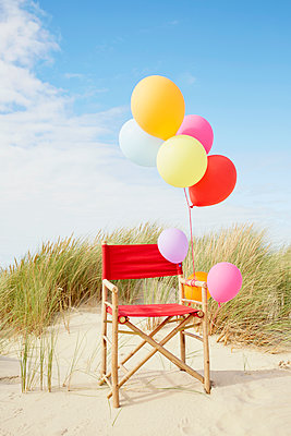 bunte Luftballons - p464m1123937 von Elektrons 08