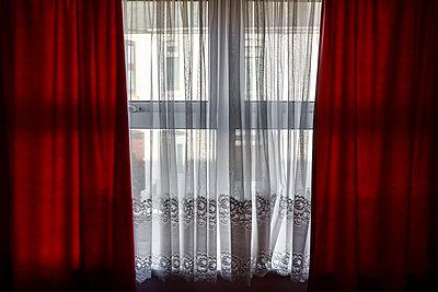 Blick aus dem Fenster - p1057m1203293 von Stephen Shepherd