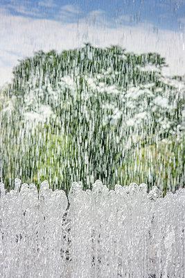 Water games - p1093m918013 by Sven Hagolani