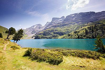 Bergsee - p606m2015656 von Iris Friedrich