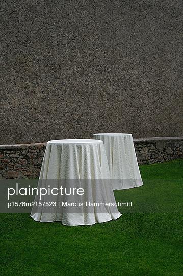 Das leere Buffet - p1578m2157523 von Marcus Hammerschmitt