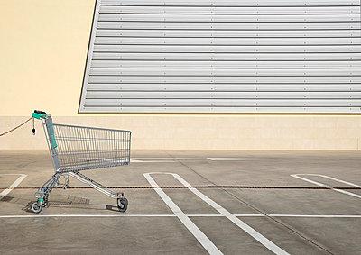 Shopping mall - p1162m973176 by Ralf Wilken
