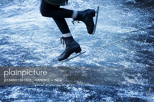 Winterfreude - p1348m1561828 von HANDKE + NEU
