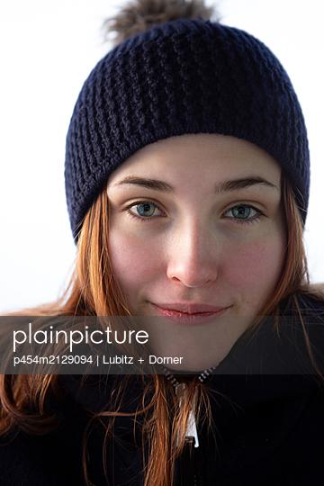 Being yourself - p454m2129094 by Lubitz + Dorner