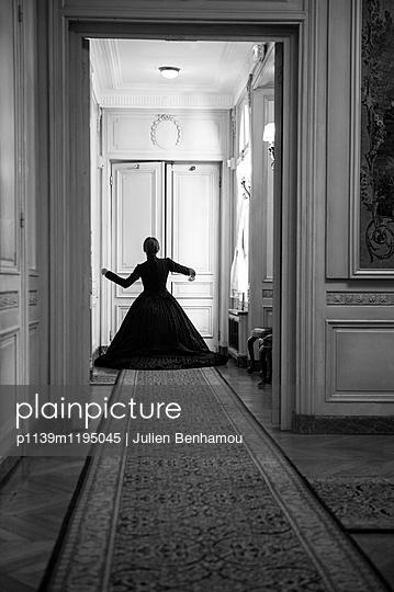 p1139m1195045 by Julien Benhamou