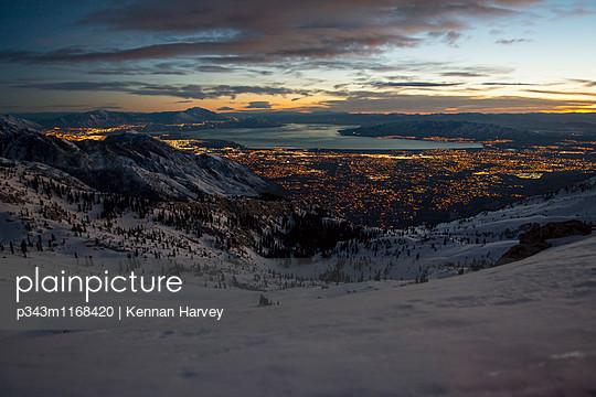 p343m1168420 von Kennan Harvey