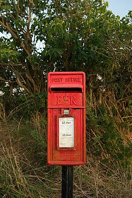 Briefkasten - p954m939204 von Heidi Mayer
