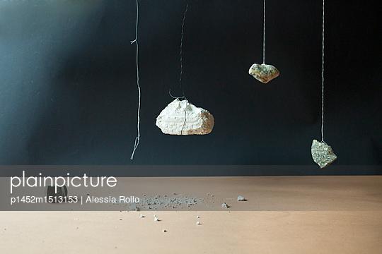 Steine an Schnüren - p1452m1513153 von Alessia Rollo