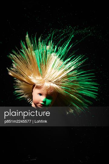 Skurriler Puppenkopf - p851m2245577 von Lohfink
