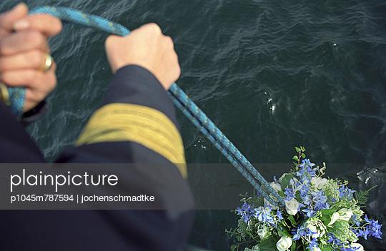 Burial at sea - p1045m787594 by jochenschmadtke
