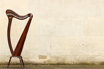Harfe - p1367m1221006 von Teresa Walton
