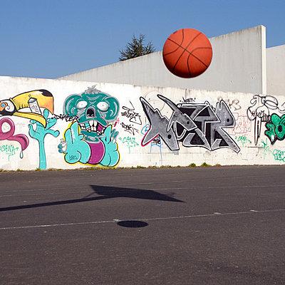 Basketball - p567m667634 von AURELIAJAEGER
