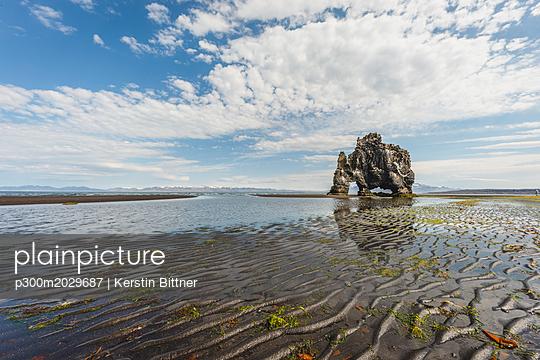 Iceland, Hvítserkur - p300m2029687 by Kerstin Bittner