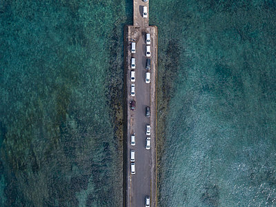 Aerial view, Parking cars on Nusa Penida - p1108m2090342 by trubavin