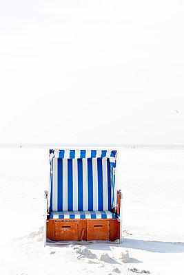 Beach chair - p248m1020074 by BY