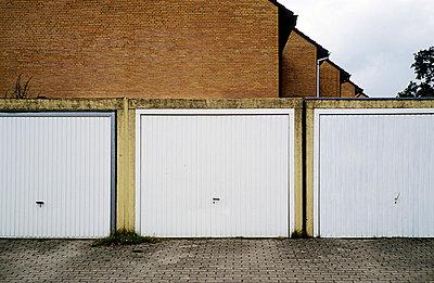 Garage door - p3470054 by Georg Kühn