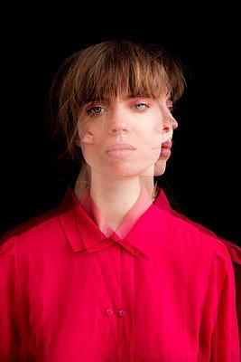 Junge Frau - Doppelbeleuchtung III - p1212m1128344 von harry + lidy