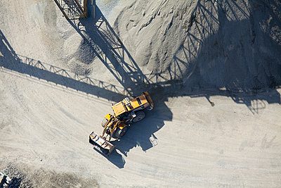 Aerial View of an End Loader - p555m1453125 by Spaces Images