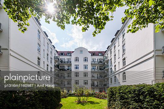 Jugendstilhaus, Eppendorf, Hamburg, Deutschland - p1316m1160987 von Arnt Haug