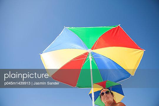 p045m1439913 by Jasmin Sander