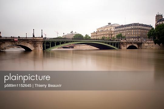 p589m1152645 von Thierry Beauvir